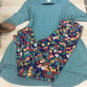 🍓 LuLaRoe Outfit 🍓